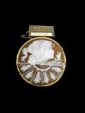 宝石シェルカメオブローチ商品番号0007