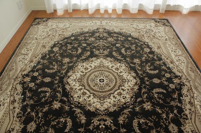 優美で落ち着きのある色合い「アドリア」約160x230cm(カラー:黒)