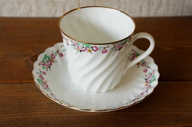 インペリアルポーセレン(ロマノーソフ) 春 コーヒーカップ&ソーサー
