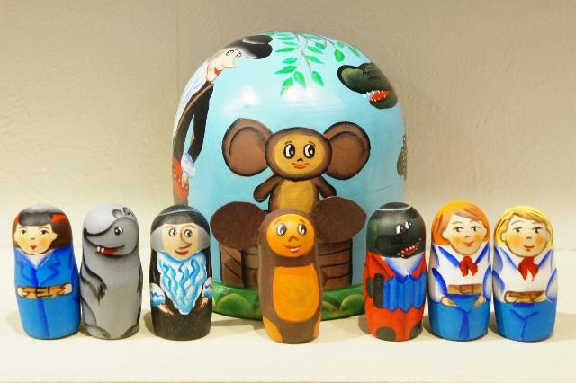 ニキーチン工房作 「チェブラーシカと仲間たち」 ドーム型マトリョーシカ(A) 人形7+箱1ピース/10cm
