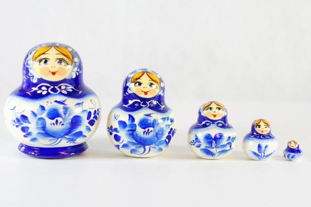 チェーホヴァ作 グジェーリ柄ダルマ型ミニマトリョーシカ 5ピース /4.5cm