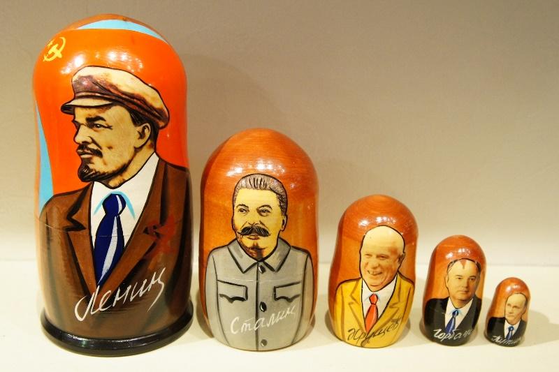 ソ連指導者・書記長(レーニン・スターリン・フルシチョフ・ゴルバチョフ)+プーチン 5ピースマトリョーシカ /18cm