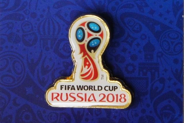 FIFAサッカーワールドカップ2018 公式エンブレム ピンバッジ Aタイプ / 3cm 【クリックポスト185円送付】