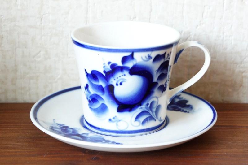 ロシアの陶器 グジェーリ焼 カップ&ソーサー <バラ模様> Bタイプ
