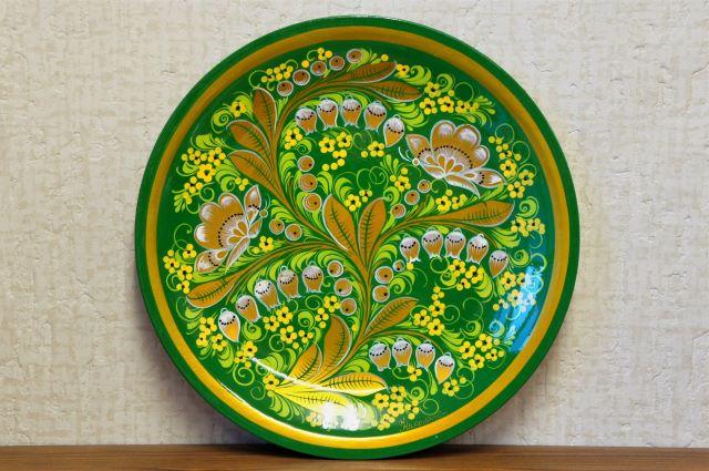 ホフロマ塗り 緑色 φ25cm木製大皿 <スズラン&ベリー>