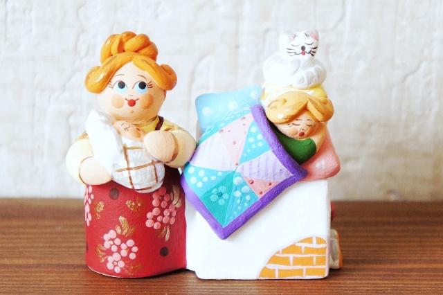コヴロフ土人形 <従軍看護婦さん〜衛生伍長〜> 2種類/ 10.5cm