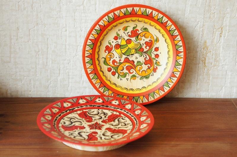 ロシアの伝統的工芸 木製皿 <メゼーニ塗り><バロック塗り> 2種 φ16.2cm 【クリックポスト送付可】
