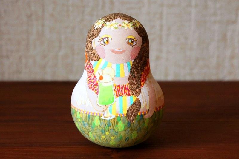 mica作 世界の民族衣装 ひょうたん型ネヴァリャーシカ(起き上がりこぼし) <ハワイ>/11cm
