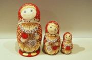 ルコムスカヤ作 民族衣装マトリョーシカ<リンゴ> 3ピース/ 13cm 【送料無料】
