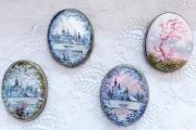 ヴィシニィコーヴァ作 ロシアの風景・白蝶貝ブローチ 縦型 4種類 / 4×5cm 【クリックポスト送付可】