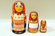 ダラフェエヴァ作 民族衣装マトリョーシカ 3ピース<カルーガ、クルスク、リャザン> /11cm