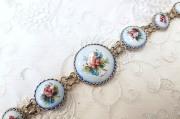ロシアの伝統的エナメル工芸 フィニフティ・ブレスレット<ブルー地にバラ> Lサイズ/長さ22cm、幅2.7cm【クリックポスト送付可】
