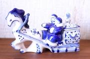 グジェーリ陶器人形&小物入れ ロシアのサンタ・ジェド=マロースとスニェグーラチカ /18×11.5cm
