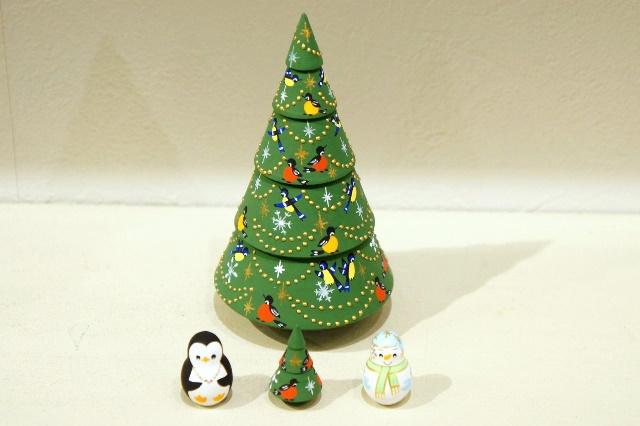 ダリヤ・ミッチナ作 クリスマス・ヨールカ(ツリー)マトリョーシカ <雪だるま&ペンギン&ツリー>Sサイズ 3+1ピース/10cm
