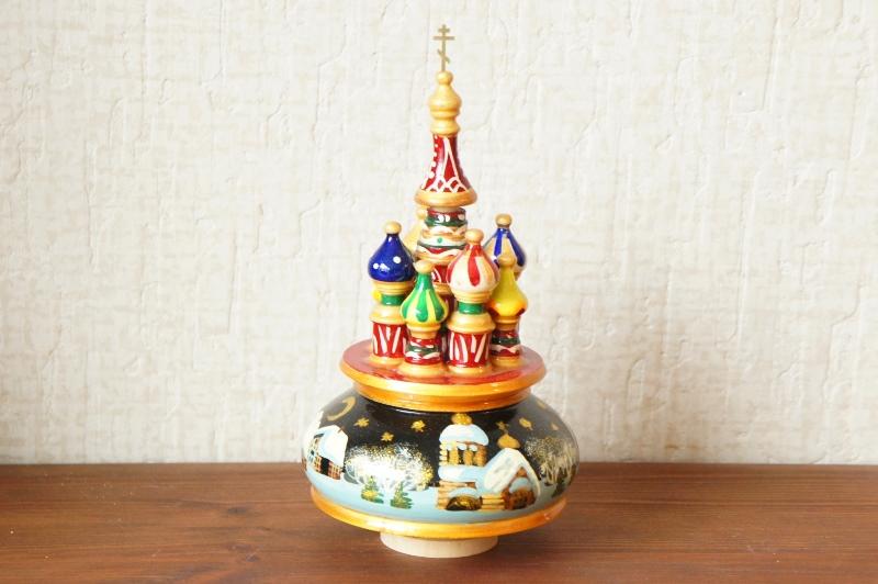 ロシア正教/聖ワシリー寺院 オーナメントオルゴール<冬の村・黒> 曲:カチューシャ /高さ22cm