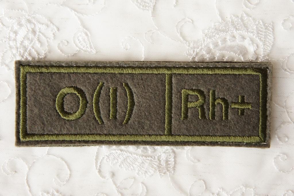 ロシア軍 血液型パッチ O型(1型) Rh+(プラス) 戦地用 /ベルクロ(マジックテープ)付 【クリックポスト送付可】