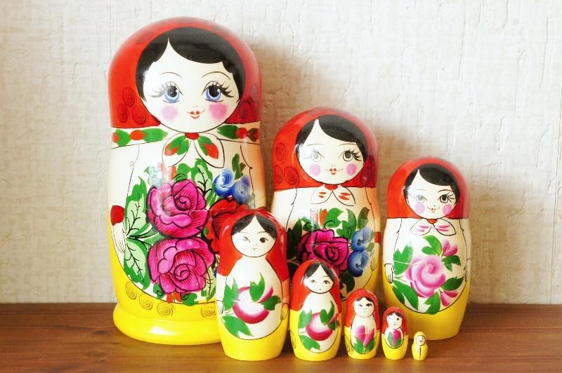 セミョーノフ産 赤ずきんちゃん 伝統的マトリョーシカ 8ピース / 21cm