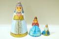 ダラフェエヴァ作 民族衣装 三角マトリョーシカ 3ピース<オロネツ、ヤロスラーヴリ、ノヴゴロド>/14.8cm【送料無料】