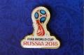 ロシアFIFA・サッカーワールドカップ2018 公式エンブレム ピンバッジ Aタイプ / 3cm 【クリックポスト164円送付】