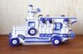 ガグーリナ作 グジェーリ陶器人形 ロシアの消防車・ニワトリ隊長出動!/長さ20cm、幅7.2cm×高さ12cm