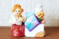 カヴローフ(コヴロフ)土人形 <ペチカでおねんね> / 幅7.5×高さ7cm