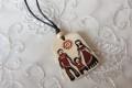 サハ共和国伝統工芸 マンモスの牙ペンダント<幸せ家族> 【クリックポスト送付可】