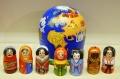 ニキーチン工房作 「世界は一つ」 地球型マトリョーシカ(S) 7+1ピース/10.5cm