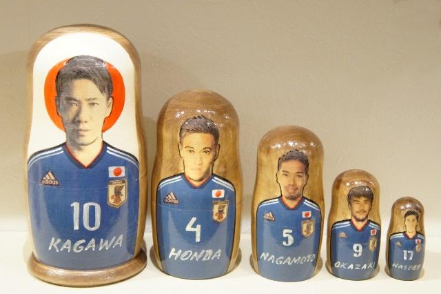 【SALE】サッカー日本代表マトリョーシカ  <香川/本田/長友/岡崎/長谷部> 5ピース /18cm