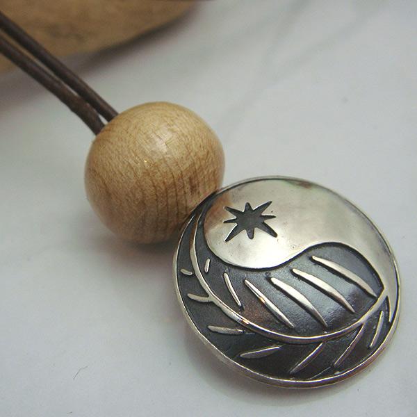 ying yangコンチョ革ロープペンダント