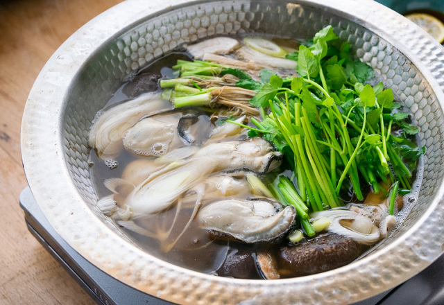 【送料込】 生鮮便第34回 牡蠣せり鍋仕立て
