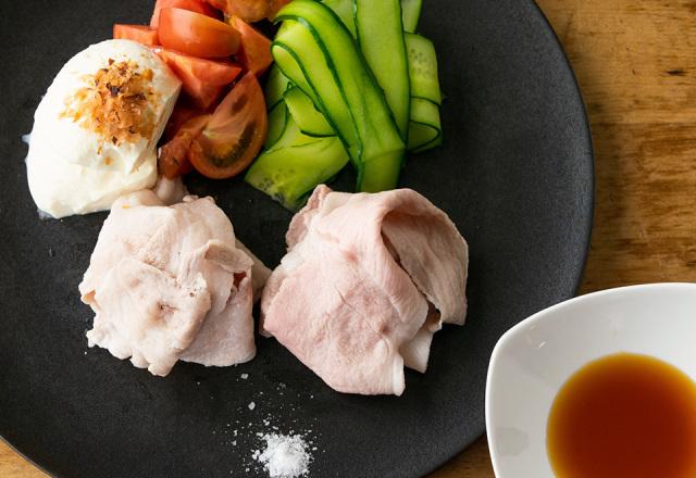 【送料込】生鮮便第56回  伊達の純粋赤豚のしゃぶしゃぶとデリシャストマト