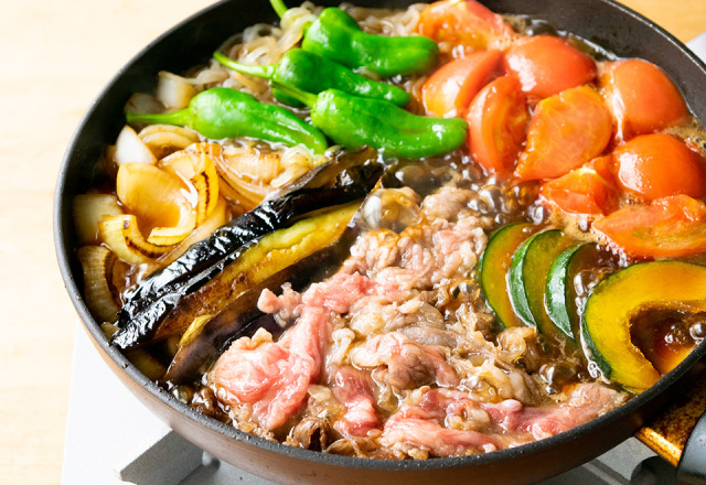 【送料込】生鮮便第67回  夏野菜のスタミナ仙台牛すき焼き