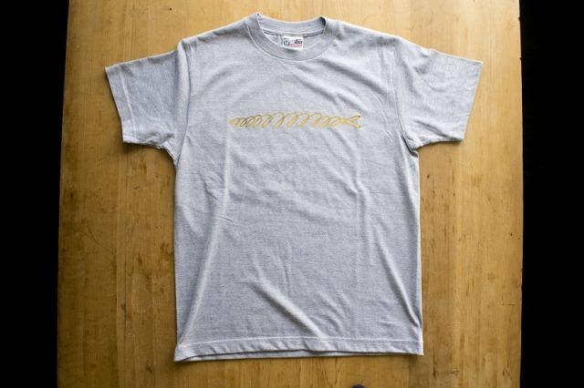 金のさんまTシャツ4