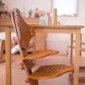 赤ちゃんから大人まで使える 一生ものの椅子 北欧ノルウェー・リボ社フレキシットチェアジュニア