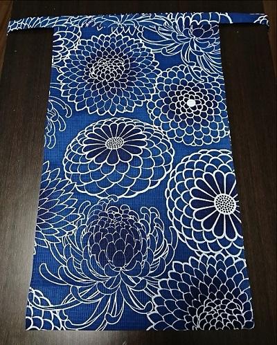 この紺色に惚れてください〜サラサラ生地で爽やかふんどし〜丸太セレクション〜越中 大輪菊(綿紅梅生地)|ふんどし 褌の通販なら さくらい