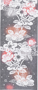 元気がもらえる日本の伝統工芸!鮮やかな手拭い~にじゆら~ 冬 つばき |ふんどし 褌の通販なら ふんどし手拭い専門店 さくらい