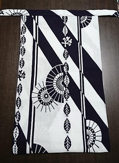 白地に黒の粋なデザイン~限定4枚で終わり~丸太セレクション~越中 木の葉くるま(徳岡生地)|ふんどし 褌の通販なら さくらい