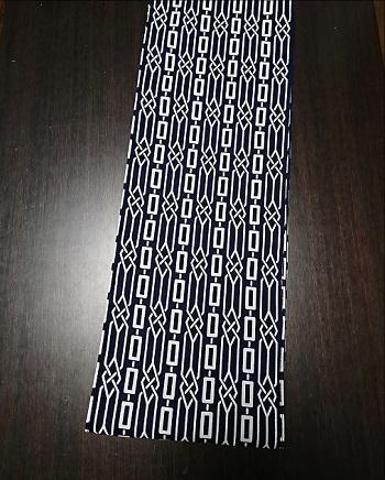 黒地で引き締まった印象を見せる〜丸太セレクション〜六尺半幅 路線図(特岡生地)|ふんどし 褌の通販なら さくらい