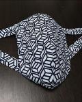 白地に黒の珍しい柄で使いやすいデザイン〜丸太セレクション 黒猫 四角六面六角形 |ふんどし 褌の通販なら さくらい