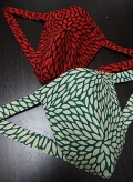 迫力ある大輪の菊の花を鮮やかに〜丸太セレクション〜 黒猫 菊の花(徳岡生地) |ふんどし 褌の通販なら さくらい