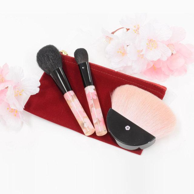 【送料無料】BP-set べっぴん桜筆セット 扇型パウダーブラシ チークブラシ アイシャドウブラシ 携帯ケース付化粧筆セット さくら筆 熊野筆