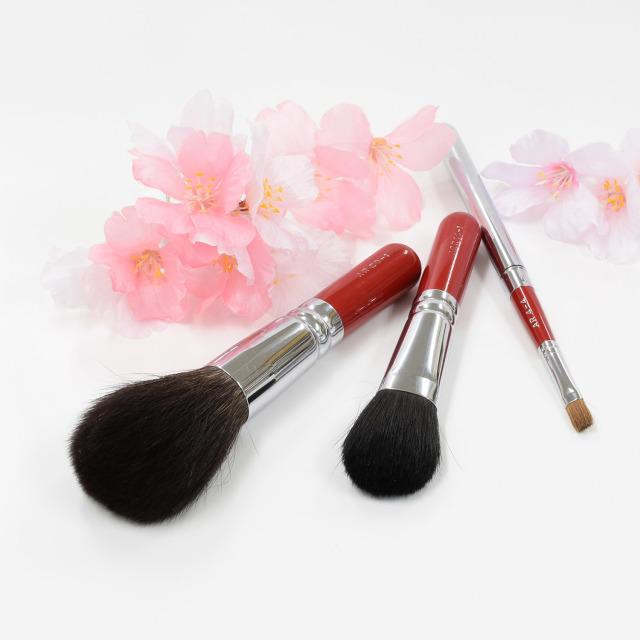 【送料無料】石庭桜 メイクブラシセット (化粧筆 3本入り) 【ギフトボックス付き】熨斗対応可能 さくら筆 熊野筆