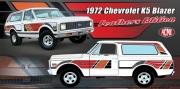 予約品 2022年6月頃 ミニカー ACME ダイキャストモデル 1/18 A1807705 シボレー 1972 Chevrolet K5 Blazers - Feathers Edition