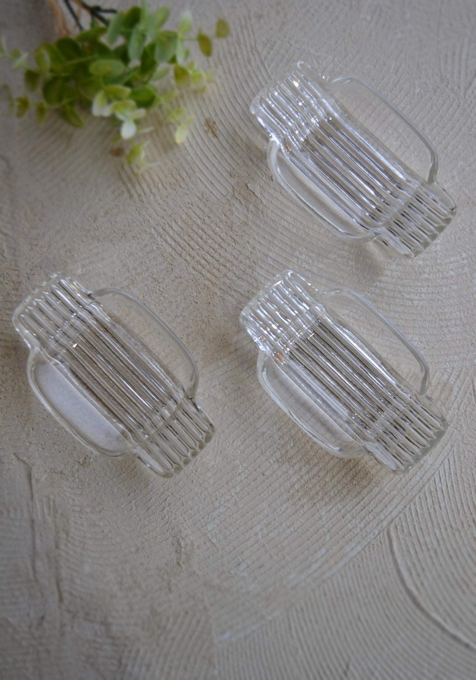 硝子のアクセサリートレイ ガラス皿 三枚組