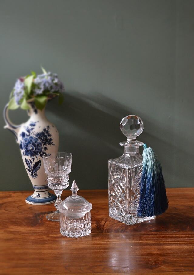 チェコガラス ボヘミアクリスタルガラスのデキャンター タッセル付き