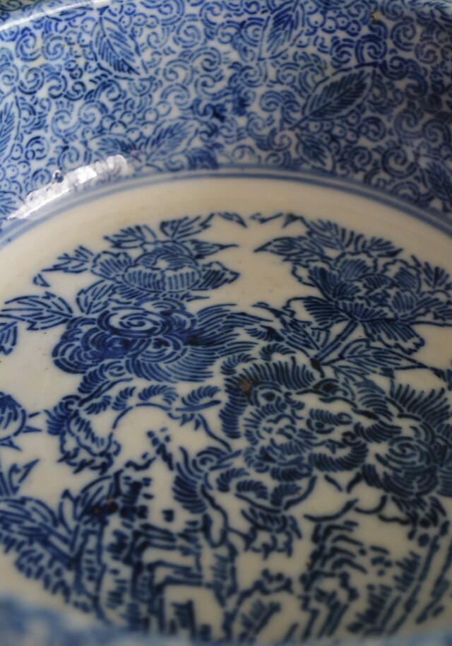染付印判獅子牡丹紋鉢