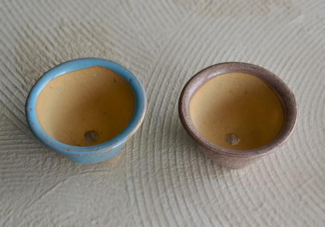 未使用蔵出し 小さな植木鉢 二色セット
