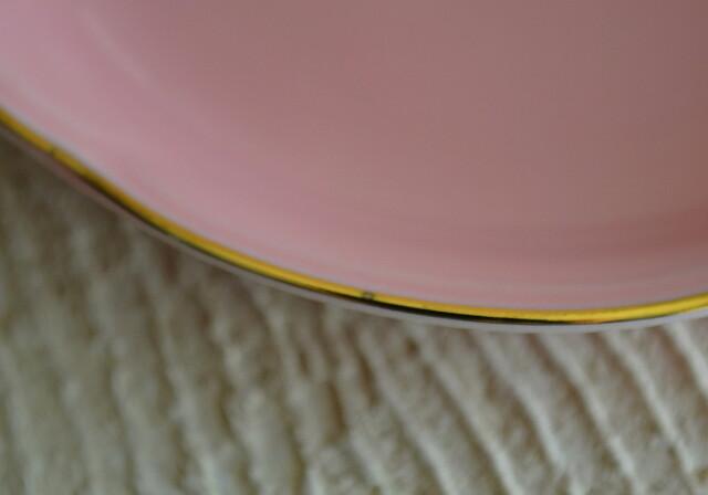綺麗なピンクの小皿五枚組 梅形