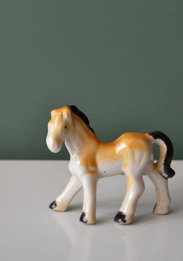 昭和レトロ 小さな馬のフィギュリン