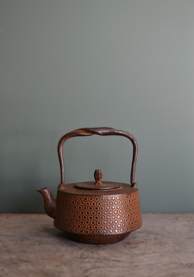 南部鉄瓶 さび茶仕上げ 小さい鉄瓶